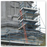 05 Scaffolding surrounds the Sacred Heart Statue at the top of the portico