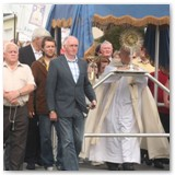 12 Corpus Christi procession - canopy carried by Cathedral Stewards and members of local GAA clubs